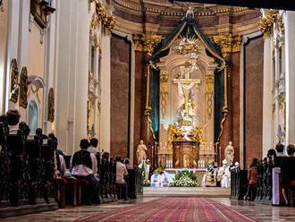 Cirkev reaguje na zákaz omší: Štát to kňazom nemôže nariadiť