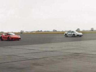 Drag race Porsche 911 GT3 proti Turbo S