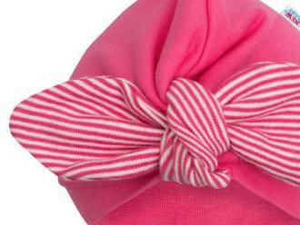 Dievčenská čiapočka turban New Baby For Girls stripes. Príjemná na dotyk a krásne sedí na hlavičke.