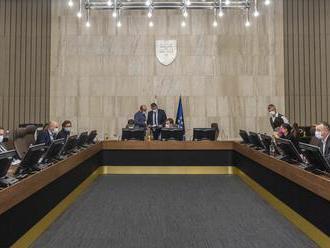 Vláda SR: Rokuje o balíku zmien v zrýchlenom legislatívnom konaní
