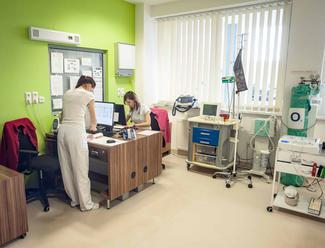 Nemocnice nemôžu suplovať primárnu starostlivosť! Situácia v Žiline: Rastie počet pacientov, o ktorý