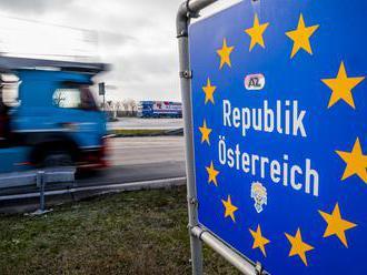 Rakúske kontroly na hraniciach so SR a ČR zostanú najmenej do 7. februára