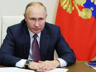 Vladimir Putin nariadil posilnenie vakcinácie v Rusku