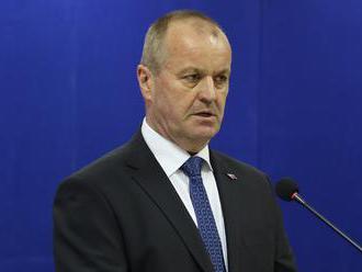 SNS: Keď prostoreký minister obrany ohýba pravdu
