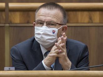 Člen komisie vyšetrujúcej Lučanského smrť mal pozitívny test na COVID-19, zajtrajšia previerka prešo