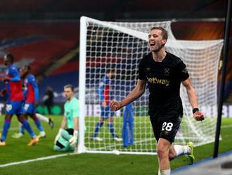 Čech Souček opäť úradoval za West Ham, Dúbravka sa prizeral prehre