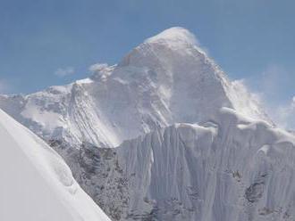 V mene Nepálu. Horolezci prvýkrát pokorili druhý najvyšší vrch sveta v zime