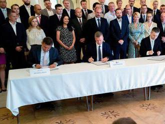Trojdohoda: Vznik jednotnej maďarskej strany zrejme oznámia vo februári