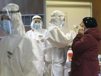 Vírus zabil takmer sto ľudí, pribudli tisícky nakazených