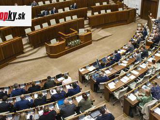 KORONAVÍRUS Poslanci NR SR pokračujú v rokovaní o balíku zmien súvisiacich s pandémiou