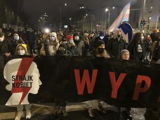 Tisíce ľudí protestovali v Poľsku proti takmer úplnému zákazu interrupcií