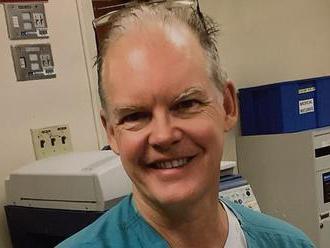 Lekár náhle zomrel po 16 dňoch od očkovania voči koronavírusu. Podľa rodiny bol úplne zdravý