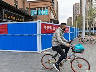 Čína má po ôsmich mesiacoch prvú obeť koronavírusu