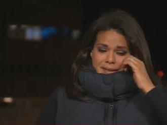 VIDEO: Reportérku počas živého vstupu premohli emócie. Upokojiť ju musela kolegyňa v štúdiu
