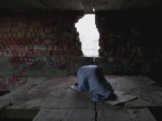 Vystúpiť zo zúfalého kruhu je ťažké. Ľuďom bez domova podávajú pomocnú ruku občianske združenia