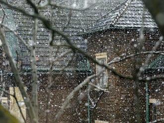 Meteorológovia: V severných okresoch Slovenska môže ďalej snežiť