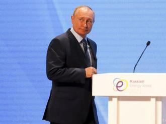 Putin: Vzťahy s USA sa pre spoločné záujmy oboch krajín urovnajú