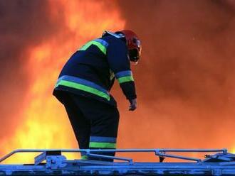 V suteréne rodinného domu vypukol požiar, pri nešťastí zahynula jedna osoba