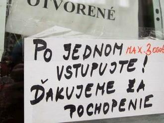 Čierne okresy na Slovensku budú od pondelka realitou, červené aj oranžové ubudli a bordových je 22