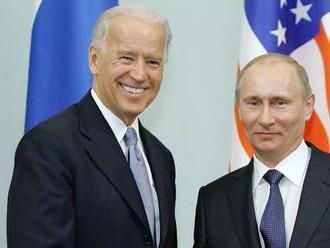 Putin tvrdí, že s Bidenom má stabilné pracovné vzťahy