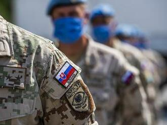Rezort obrany chce zabrániť zneužívaniu vojenských hodností na vďaku verejným funkcionárom