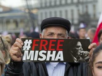 Desaťtisíce ľudí pochodovali v Tbilisi a žiadali prepustenie Saakašviliho