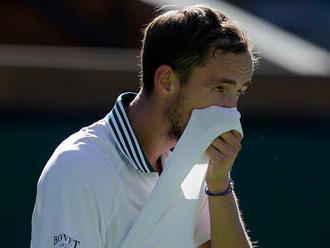 Nezvládol trojsetový boj. Najvyššie nasadený Medvedev v Indian Wells skončil