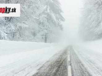 SHMÚ upozorňuje: V severných okresoch Slovenska môže ďalej snežiť