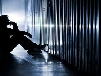 Krajina bojuje so zvyšujúcim sa počtom samovrážd: Život si berie stále viac detí!
