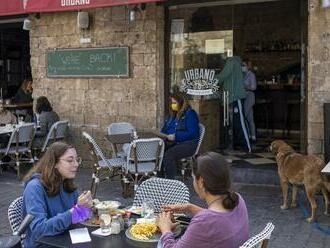 Štvrtá vlna epidémie na ústupe: Toto sa v Izraeli od júla nestalo