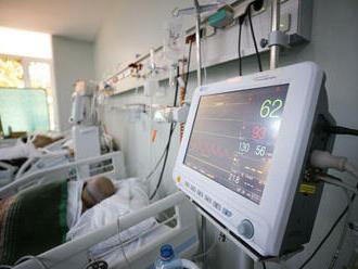 Prognóza ministerstva zdravotníctva: Na covid zomrie v októbri vyše 500 ľudí