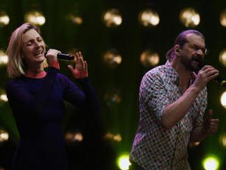 V Národním divadle vystoupily živě desítky hudebníků a herců