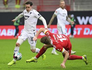 Leverkusen se střídajícím Schickem v bundeslize podlehl Freiburgu