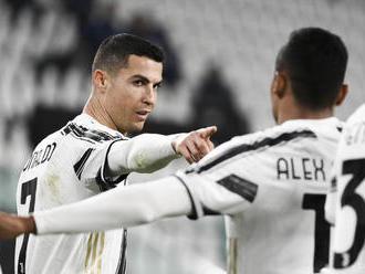 Ronaldo gólovými hlavičkami nasmeroval Juventus k výhre nad Crotone