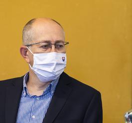 """Poslanec Kremský z OĽaNO sa sťažuje na televízie. """"Sme pod prudkou paľbou. Ale, účasť v reláci"""