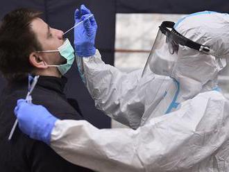 V sobotu přibylo v Česku 7798 nově nakažených, o tisíc více než před týdnem
