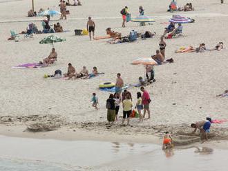 V častiach Španielska uvoľňujú opatrenia, z dovolenkových destinácií hlásia lepšie čísla