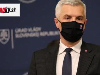 Korčok skritizoval účasť premiéra pri prílete Sputnika V: Nikto iný predtým vakcíny nevítal