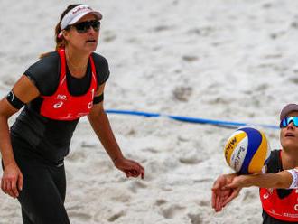 Všechny české beachvolejbalové páry začaly v Cancúnu porážkami