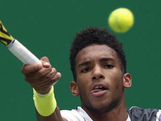 Nadalov strýko bude trénerom Augera-Aliassimea na antukových turnajoch