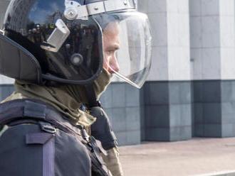 Stovky ľudí v Čiernej Hore demonštrovali proti volebnej reforme