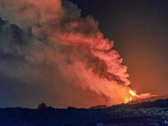 Úrady na ostrove Svätý Vincent varovali pred výbuchom sopky