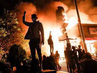 Nenaplněné lásky, covid, války. Nejlepší zpravodajské fotky z World Press Photo