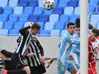 Kapitán Petržalky pri poslednom derby podával lopty. Gól mu ukradol slovanista