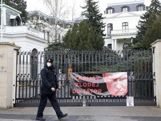 Ľudia, čo útočili v Česku, sú hrdlorezi, tvrdí expert na tajné služby