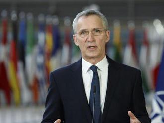 Stoltenberg: NATO začne do mája sťahovať svojich vojakov z Afganistanu