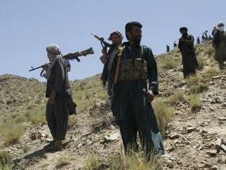 Tálibán se zmocnil klíčové oblasti nedaleko Kábulu, napsala AP