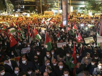 Tisíce lidí demonstrovaly v Turecku proti Izraeli