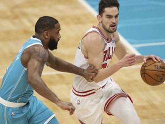 Chicago se Satoranským porazilo Charlotte, Westbrook je blízko rekordu