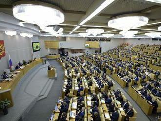 Do ruskej Dumy predložili zákon postihujúci ľudí okolo Navaľného
